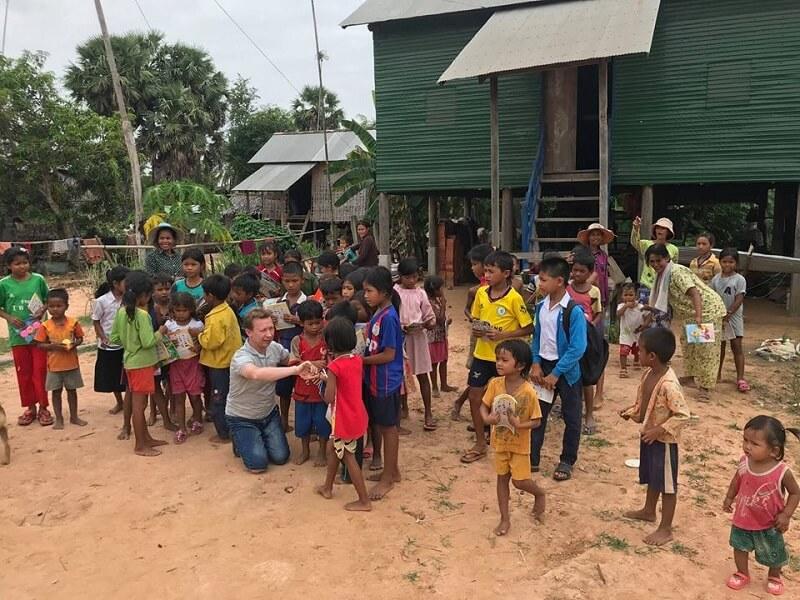 Місіонери України відвідали 1730 дітей і 60 вдів у Камбоджі, Єгипті та Уганді