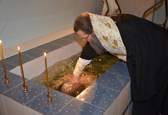 Из ПЦУ в РПЦ будут принимать через крещение