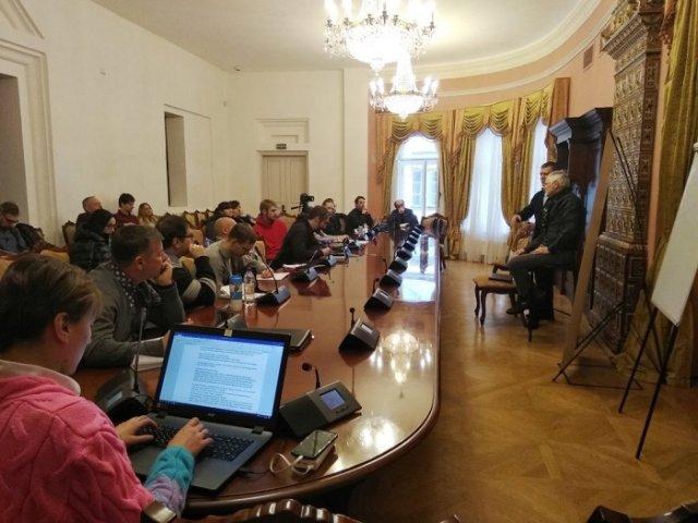 Професор зі США прочитав у Києві лекції «Що теологія каже про суспільні кризи?»