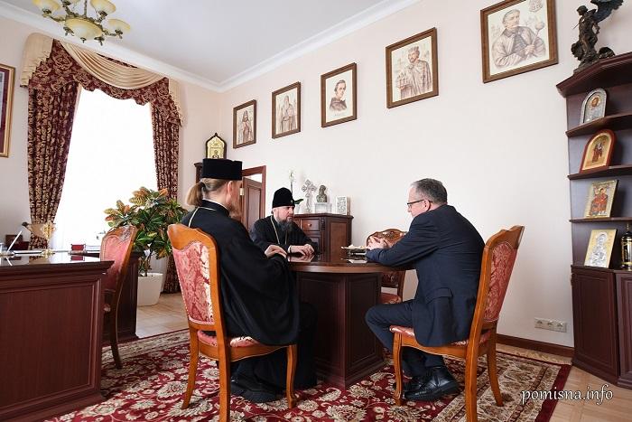 Керівництво ПЦУ та УПЦ (МП) обговорило з іноземними послами релігійну ситуацію в Україні та світі