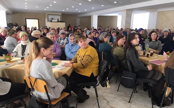 200 баптисток Донеччини обговорили сестринське служіння в регіоні