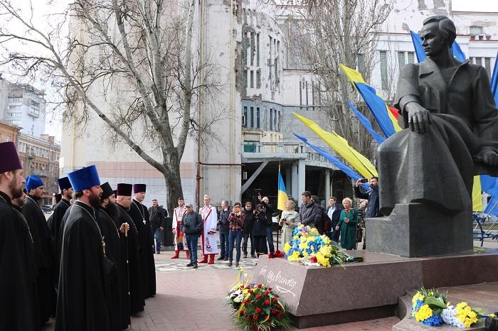 Духовенство УПЦ (МП) вшанувало пам'ять Тараса Шевченка у Дніпрі, Харкові, Полтаві, Мукачеві