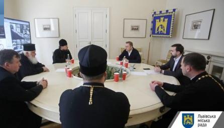 Мер Львова обговорив з духовенством святкування Великодня в умовах карантину