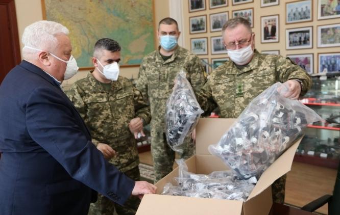 Міжконфесійний екуменічний комітет України закупив 1000 багаторазових медичних масок для академії сухопутних військ