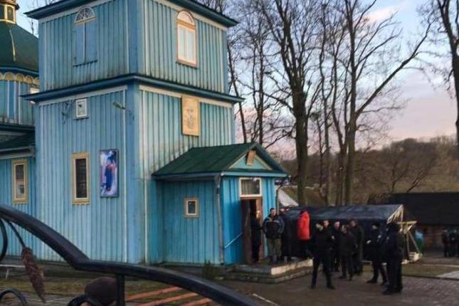 На Рівненщині парафіяни УПЦ (МП) жаліються, що їх конфесійні противники чинять «звукове» насилля