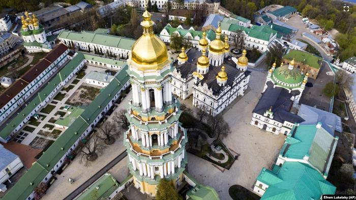 Петицію з вимогою передати київську лавру ПЦУ опублікували ще й на сайті уряду