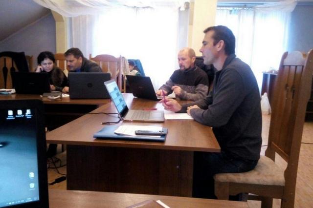 Місія «Перекладачі Біблії України» завершила переклад на ромські мови Євангелія від Луки