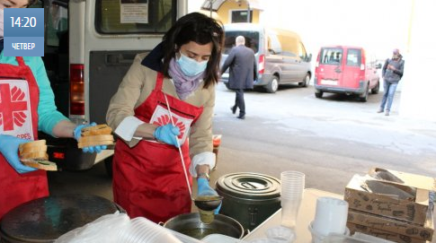 Посол Канади разом з католиками годує київських безпритульних