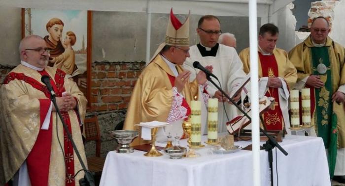 Католикам не повернули храм на Львівщині — вони будують новий