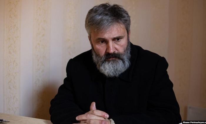 Російський суд дозволив архієпископу ПЦУ стати громадським захисником активіста Олега Приходька
