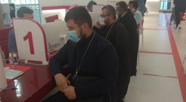 Священники УПЦ (МП) на Харківщині стали донорами плазми крові для хворих дітей