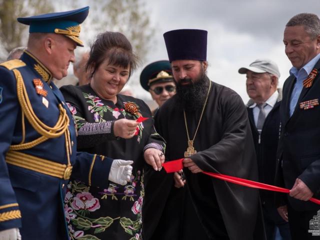 Священники УПЦ (МП) освящают российское оружие в Крыму, «потому что это оружие правды»