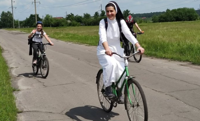 Римо-католики здійснили велопаломництво до мощей св. Антонія на Львівщині