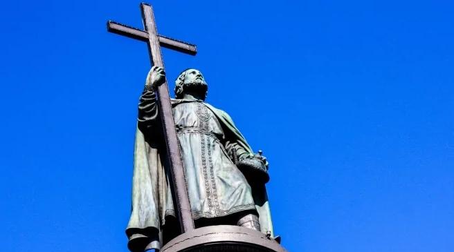 ПЦУ та УПЦ (МП) через карантин скасували хресну ходу до 1032-ї річниці хрещення Русі