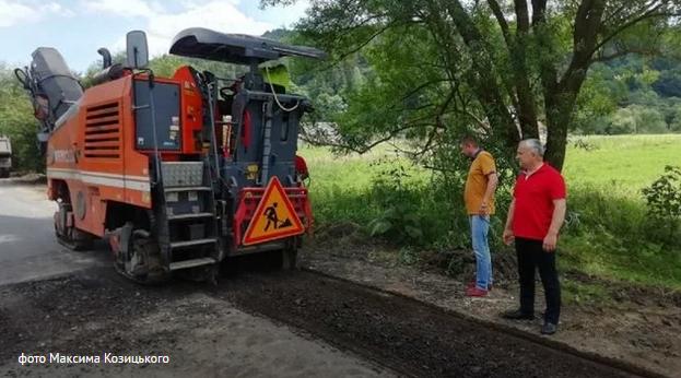 На Львівщині почали ремонт дороги, про яку знімав кліпи священник УГКЦ