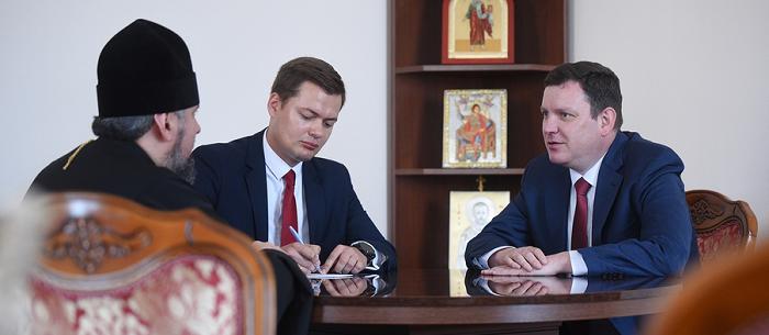 Глава ПЦУ обговорив з послом Латвії ситуацію на окупованих частинах України