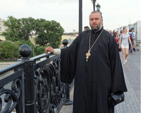 Селяни зачинили храм священника, який привітав Путіна з днем ангела
