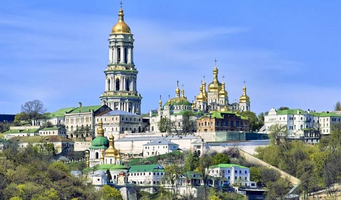 Зеленський переадресував Кабміну питання користування Києво-Печерською лаврою