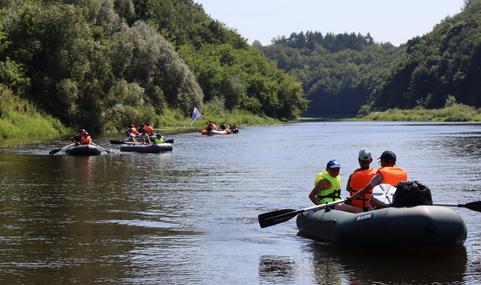 Рівненська церква «Христос є відповідь» організовує річкові сплави для молоді