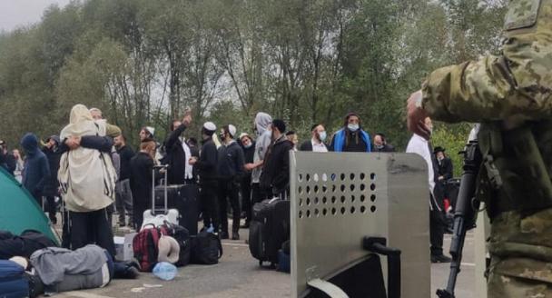 Україна і Білорусь вирішують, що робити з хасидами, яких зупинили на кордоні на шляху до Умані
