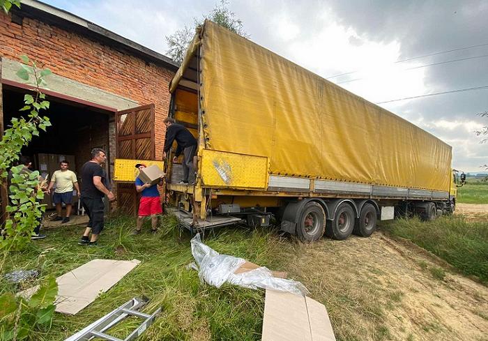 Баптисти передали 55 тонн продуктів потерпілим від пожеж на Луганщині