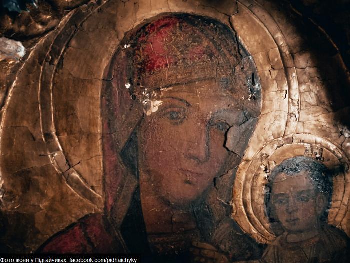 У старій церкві біля Львова знайшли 300-літню ікону Богородиці