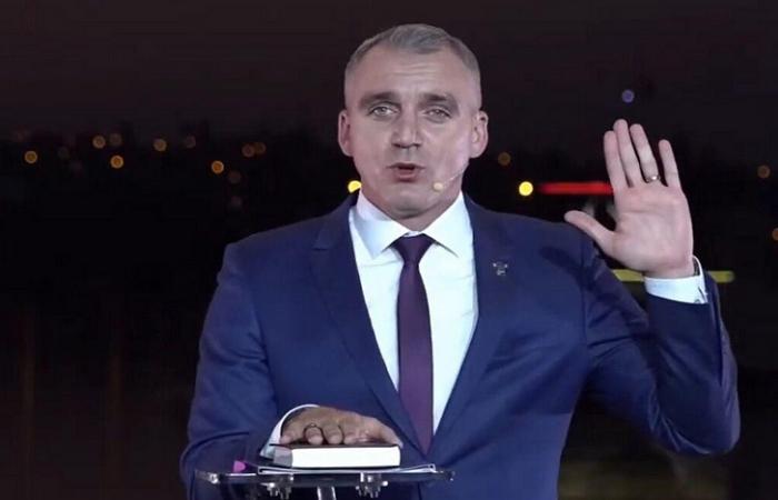 Мер Миколаєва поклявся на Біблії, що не заробляє на тротуарній плитці