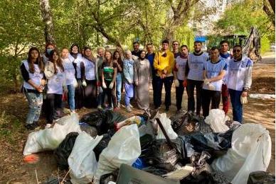 Волонтери-мусульмани по всій Україні долучилися до прибирання з нагоди Міжнародного дня чистих берегів