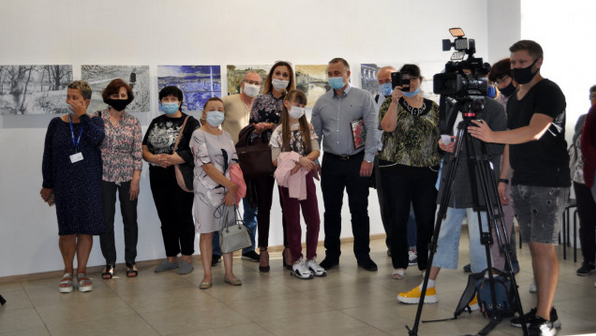 У Черкасах відкрили виставку картин політв