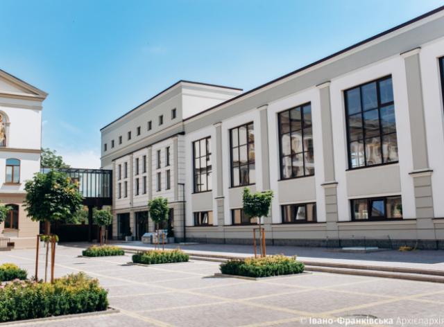 В Івано-Франківську добудовують новий корпус Католицького ліцею