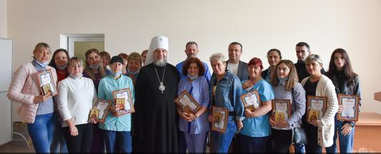 Ієрарх ПЦУ відзначив медиків Вінниці, які опікуються хворими на COVID-19