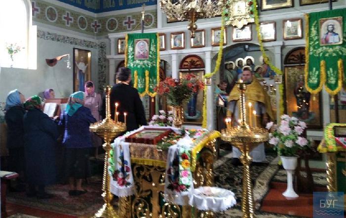 Священник УПЦ (МП), якого відсторонили від служіння через привітання Путіна, повернувся у храм
