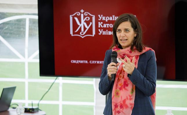 Посол Канади провела лекцію в Українському католицькому університеті