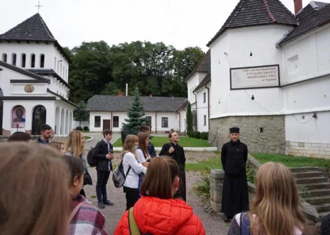 Студенти львівських вишів провели день духовної віднови в Унівській лаврі