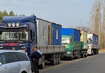 Християни доставили мобільні будинки для постраждалих від пожеж на Луганщину