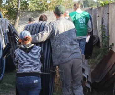 Адвентисти доставили 4100 метрів труб потребуючим селам Донеччини