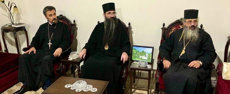 Митрополит УПЦ (МП) поїхав з подарунками в Ліван скаржитись на Україну