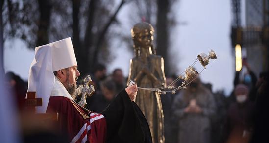 Церковні ієрархи разом з прем'єр-міністром вшанували жертв Голодомору
