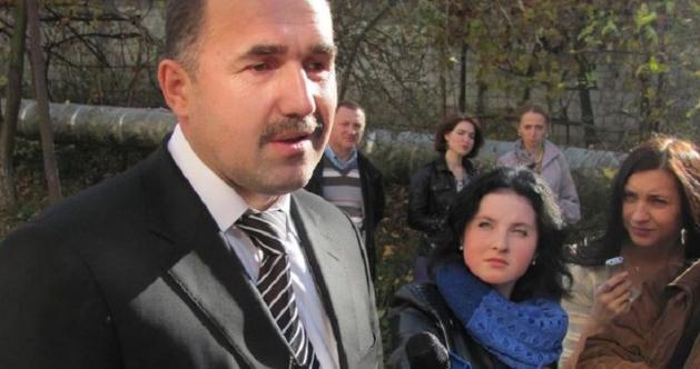 Представники УПЦ (МП) домоглися викликати мера Золочева на допит, а в Конотопі відспівали спочилого мера