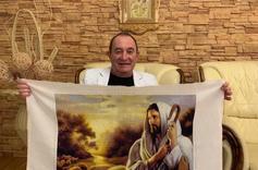 Артист з Тернополя створив вишивку «Добрий пастор»