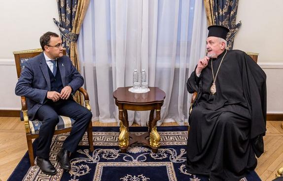 Заступник міністра МЗС обговорив з митрополитом Константинопольського Патріархату візит патріарха Варфоломія в Україну