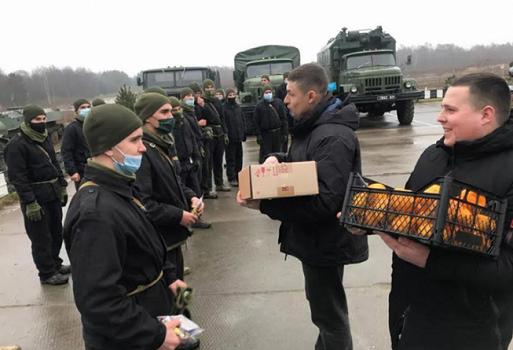 Понад п'ять тисяч захисників України отримали гостинці від УГКЦ