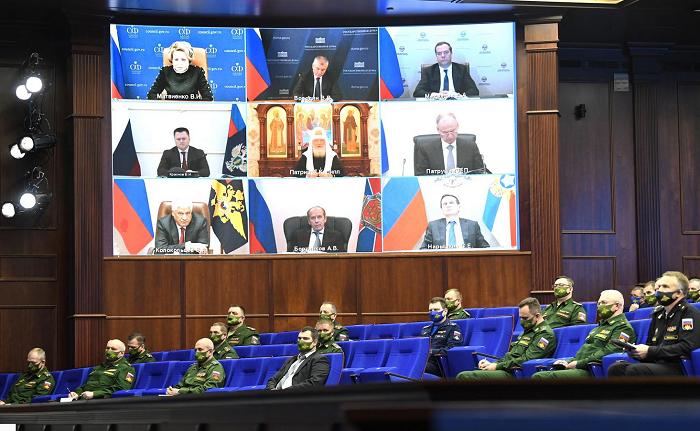 Глава РПЦ заперечує агресію РФ проти України і бере участь у засіданні колегії Міноборони РФ