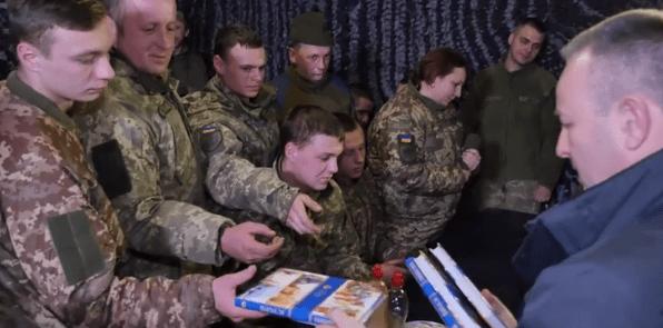 Українське біблійне товариство дарує військовим АТО/ООС ілюстровані Біблії