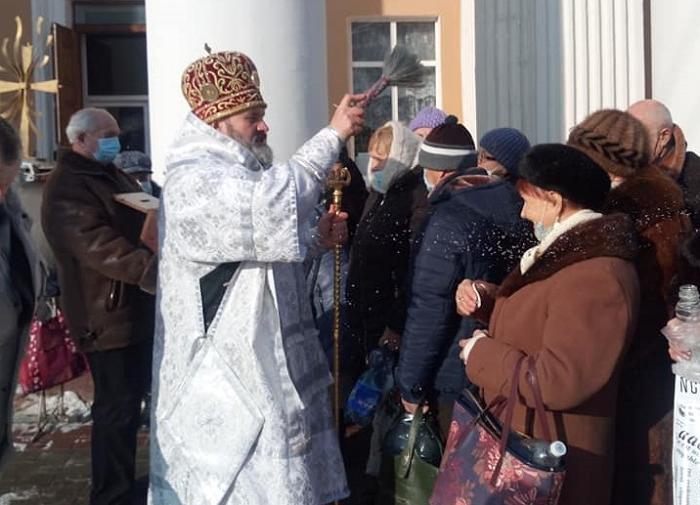 Митрополит ПЦУ звершив у Сімферополі літургію і велике освячення води