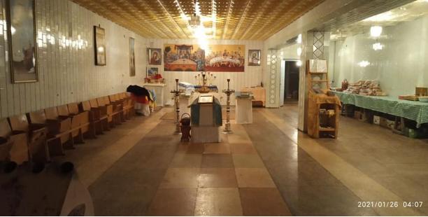 На Рівненщині приміщення старого магазину віддали під храм УПЦ (МП)