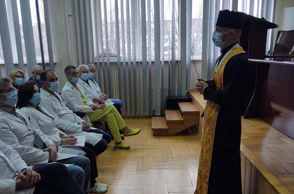 Медичні капелани УГКЦ провели молитовну зустріч з медпрацівниками онкоцентру у Львові