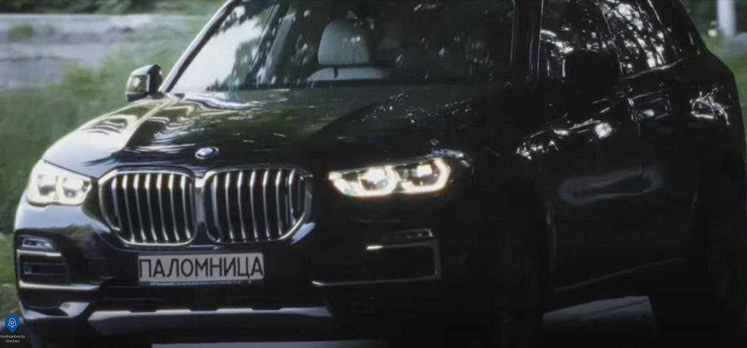 «Паломниця» на BMW: дружина Віктора Медведчука анонсувала вихід проєкту «в жанрі авторського кіно»
