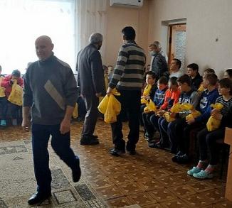 На Запоріжжі адвентисти відвідали з подарунками 47 дітей обласного реабцентру