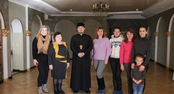 Священник УГКЦ на Львівщині за допомогою вареників та кави вирішує соціальні проблеми потребуючих